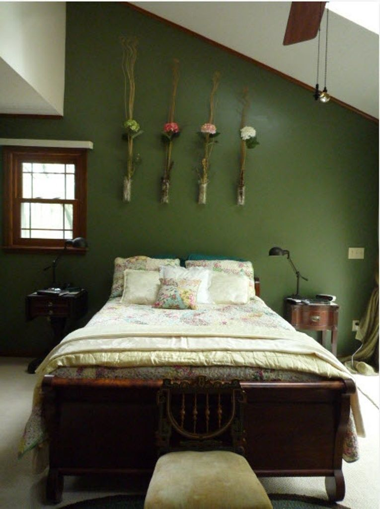 Dark Green Accent Wall And Wooden Bed For Pretty Bedroom Ideas Spring Bedroom Decor Spring Bedroom Cozy Small Bedrooms