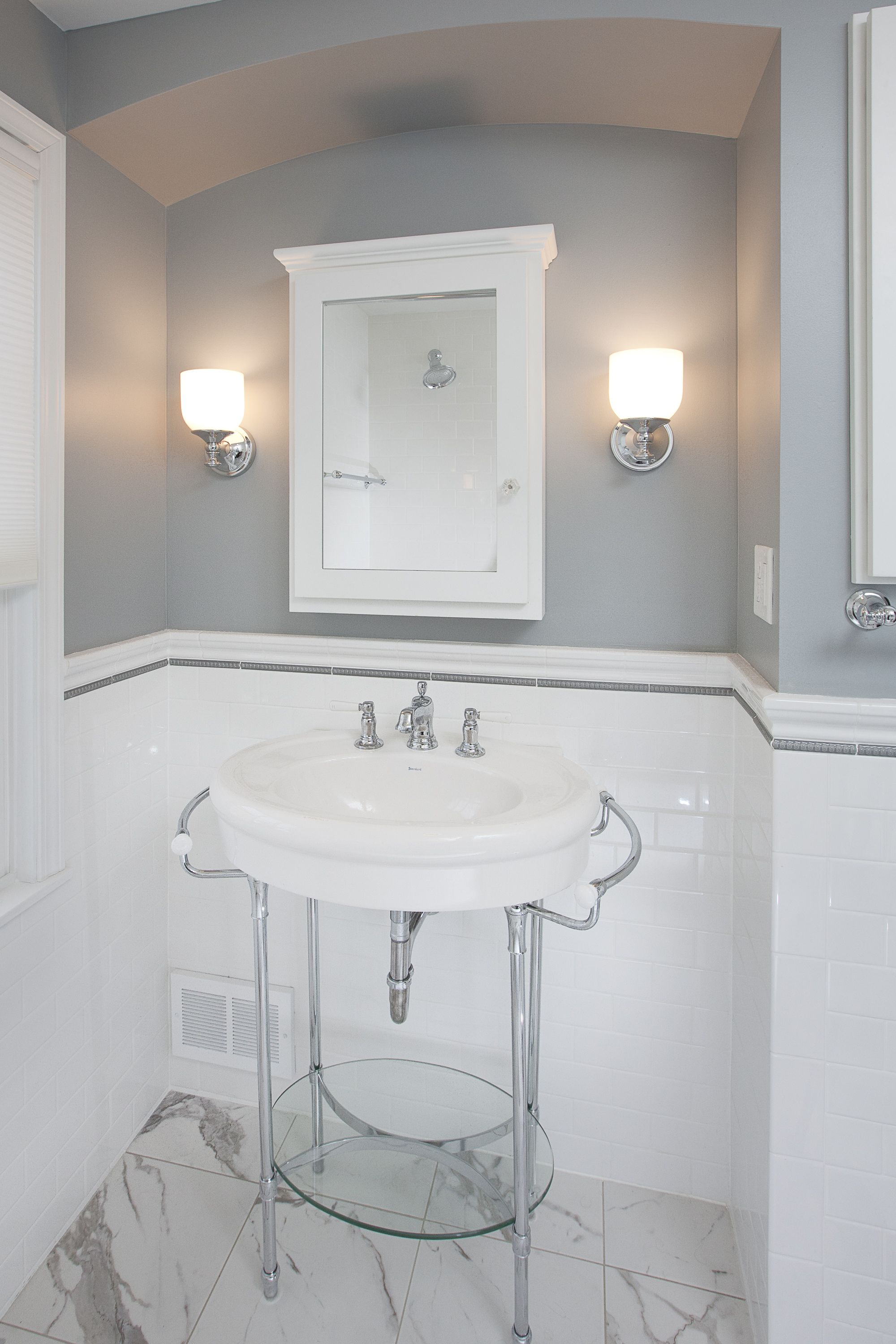 Designed by elizabeth bland 1940s cape cod highland park bath traditional bathroom white subway tile design pictures remodel decor and ideas page 7 dailygadgetfo Gallery