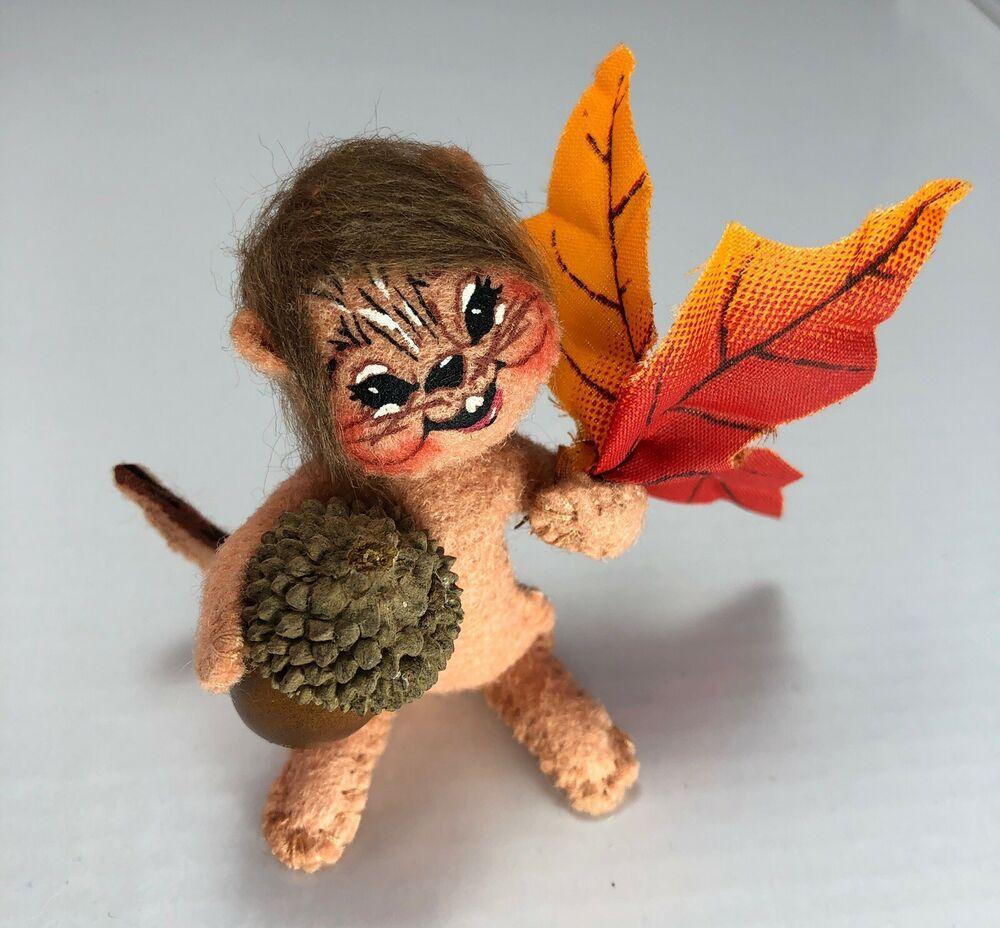 Annalee doll 3 chippy gathering acorns 203907