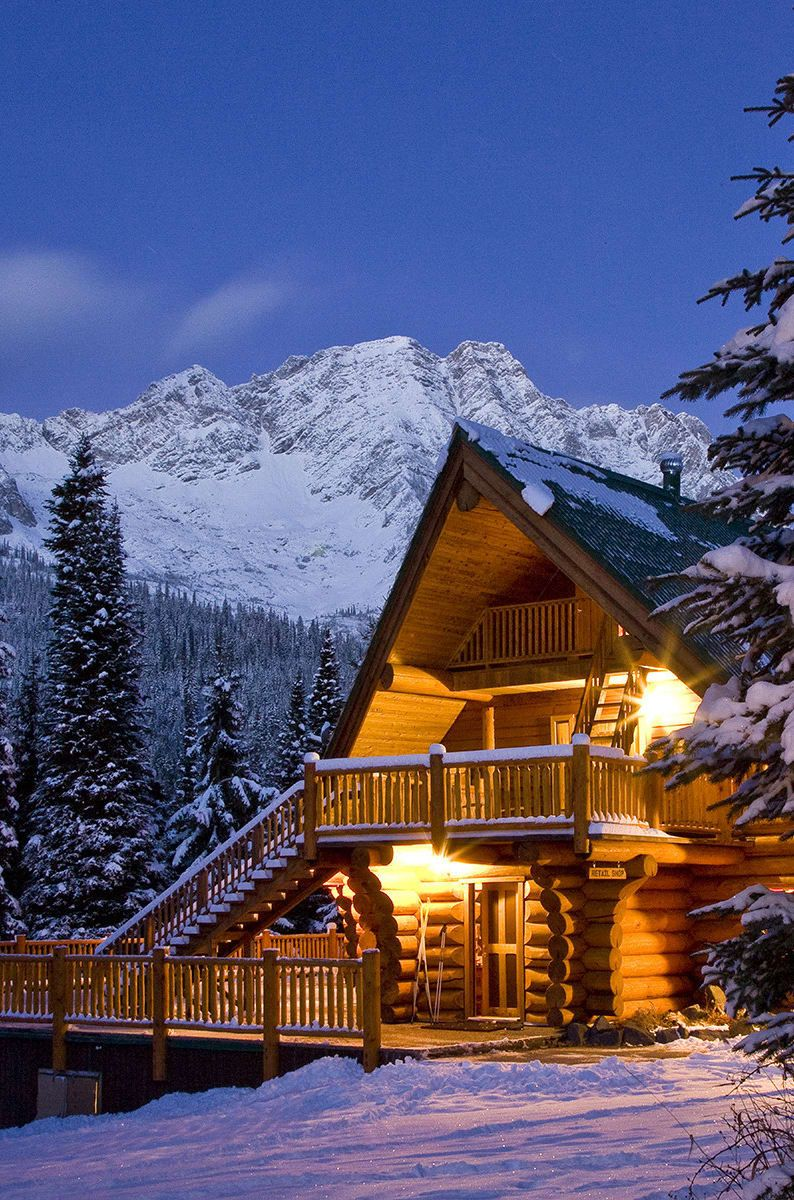 13 Canadian Mountain Towns You\'ll Want To Cozy Up To This ...