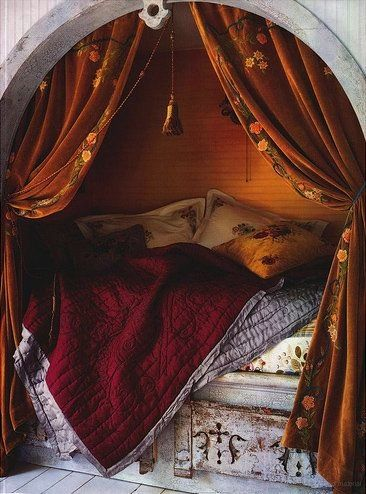 comfy nook bed. With curtains!