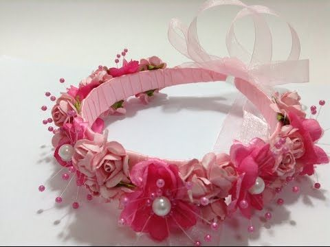 a18d5bde273 Como hacer una Tiara o Corona Floral para niñas. Diadema de Rosas ...