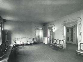 Main Salon Couture House 10 Avenue George V Balenciaga With