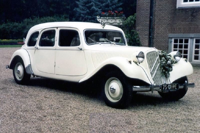 40-citroen-traction-avant-familiale