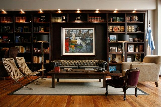 10 Living Rooms With Beautiful Bookcases