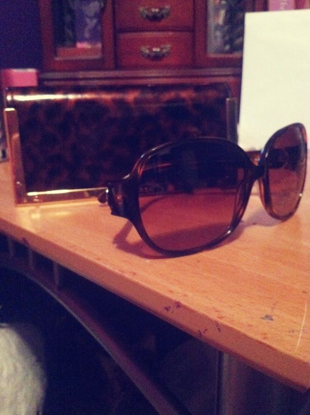 5d77ada75ac9 Tory Burch shades | Pulling the Shades Down | Shades, Sunglasses ...