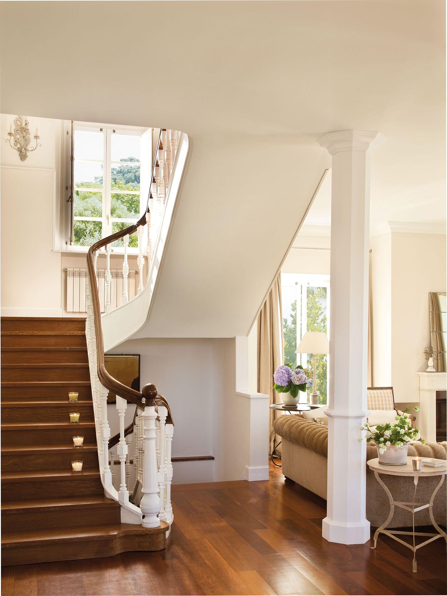Blanca y de madera en 2019 escaleras escaleras baranda madera y barandas - Peldanos de madera para escalera ...