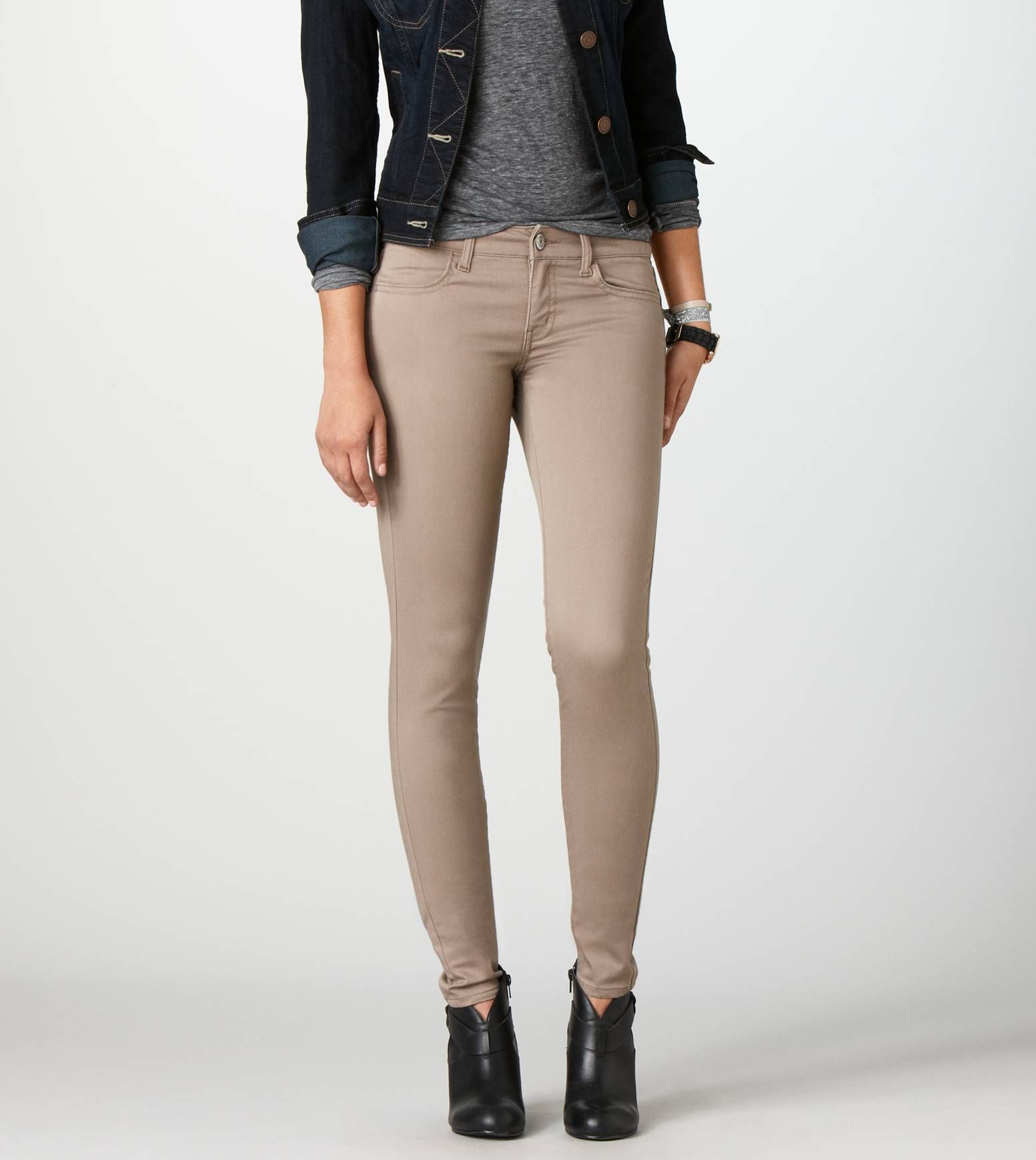 fc99b49a84227 Jegging in 2019 | Things. | Beige pants outfit, Tan pants outfit ...