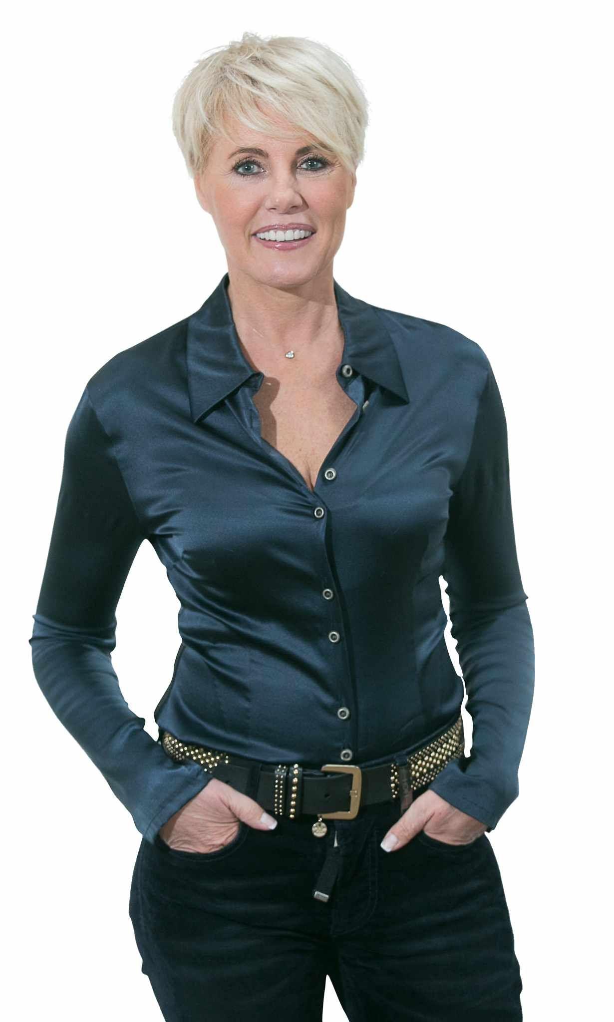 De Strakke Come Back Van Dana Winner Quot Ik Steek Het Niet Onder Stoelen Of Banken Dat Ik Botox