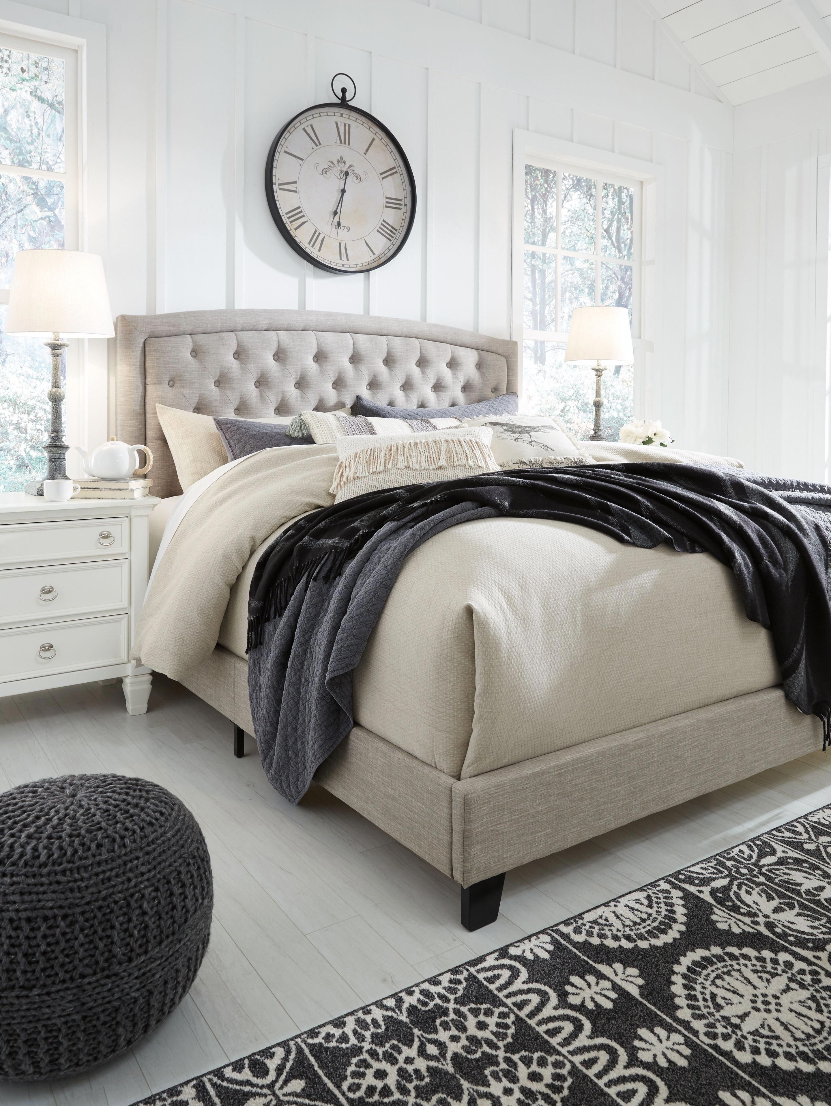 Jerary King Upholstered Bed, Gray masterbedroomsdecor in