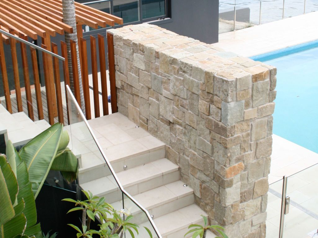 Eco Outdoor Clancy Random Ashlar Sandstone Walling And