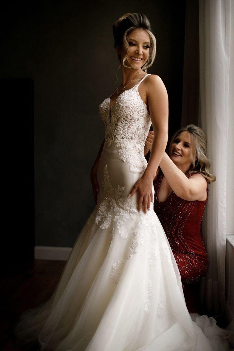 a9a174f32acb5 Ficou maravilhosa essa noiva, não acham  👰💖 Vestido  Martina Liana Bridal  Vídeo  Motion Filmes