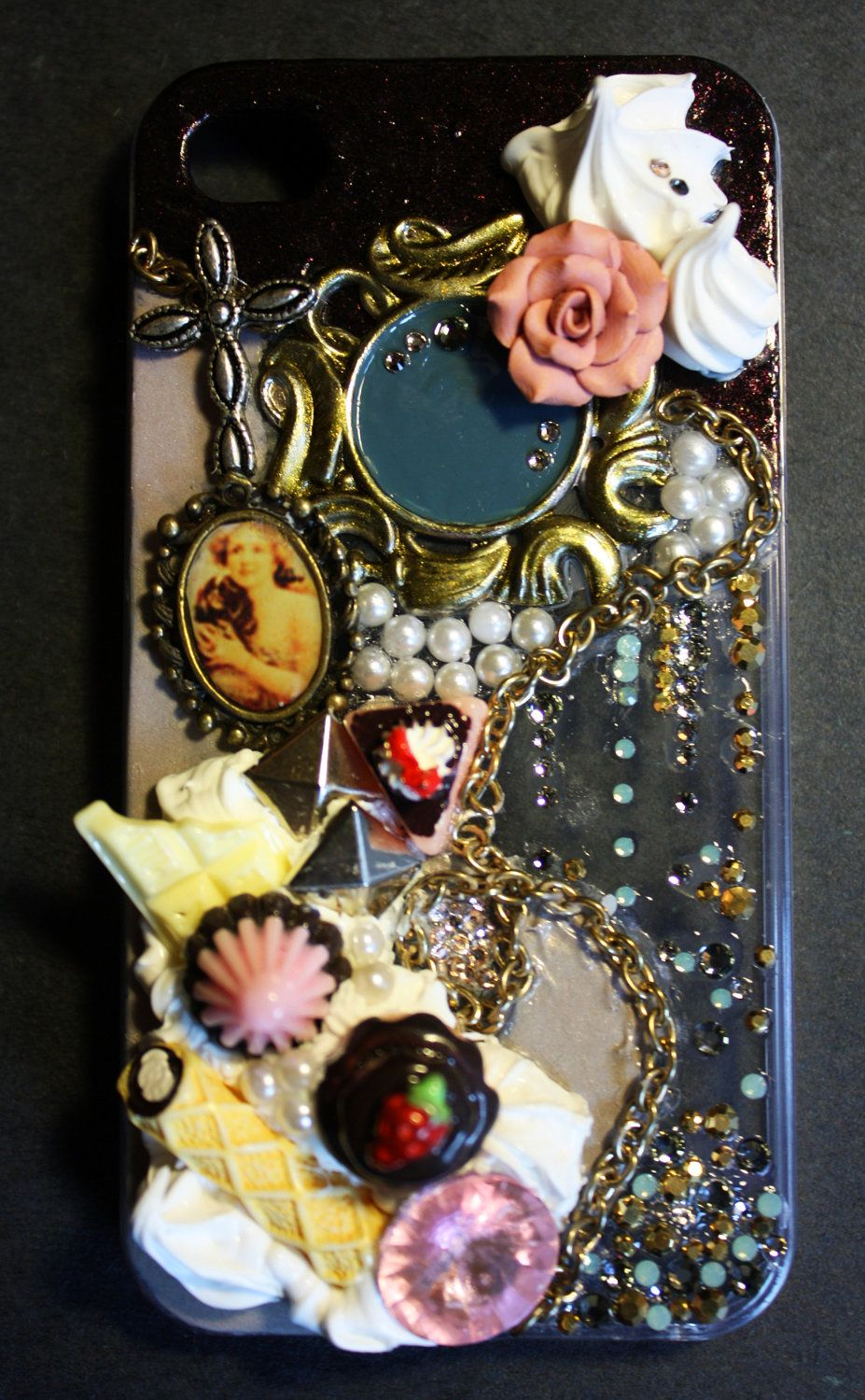 Love the individuality put into this cover.  Decoden iPhone 4 case by blouberry on Etsy
