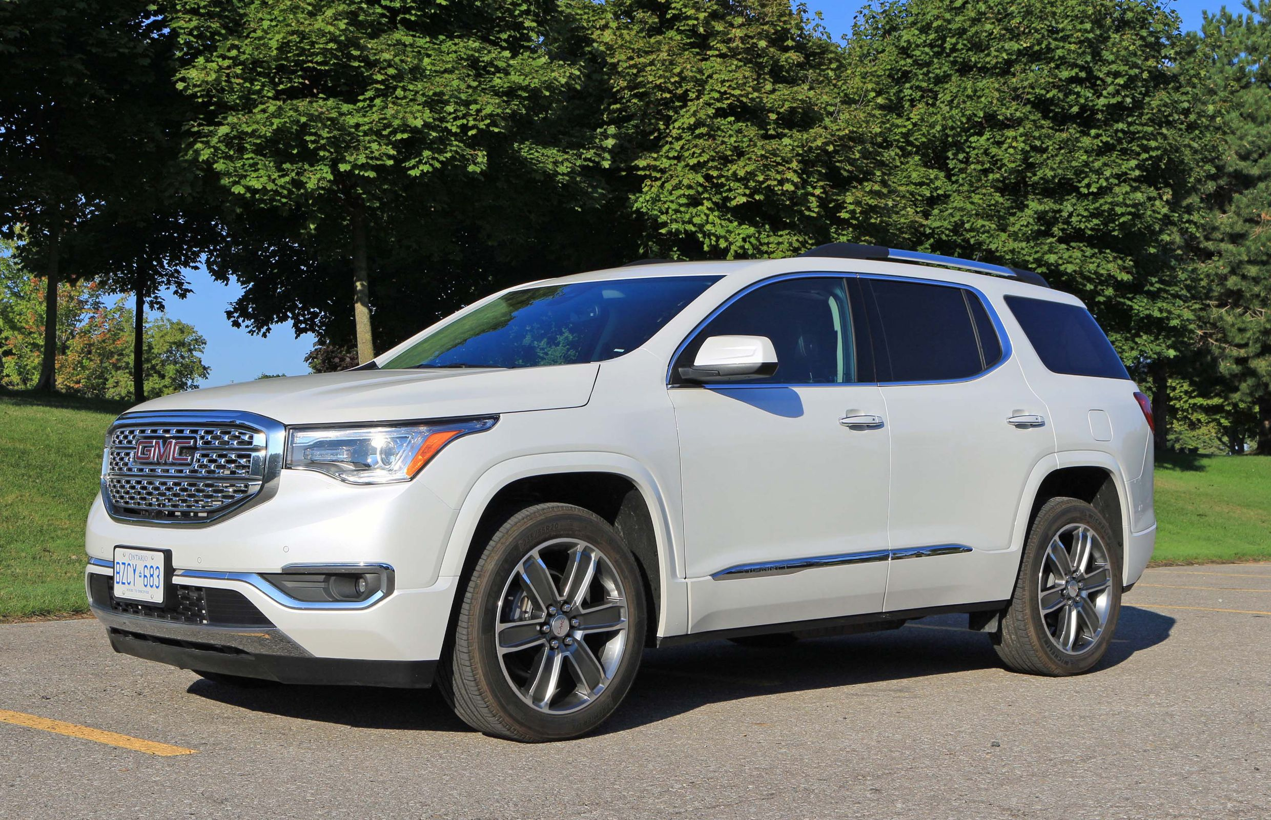Suv Review 2017 Gmc Acadia Denali In 2020 Acadia Denali Suv Reviews Gmc Acadia 2017