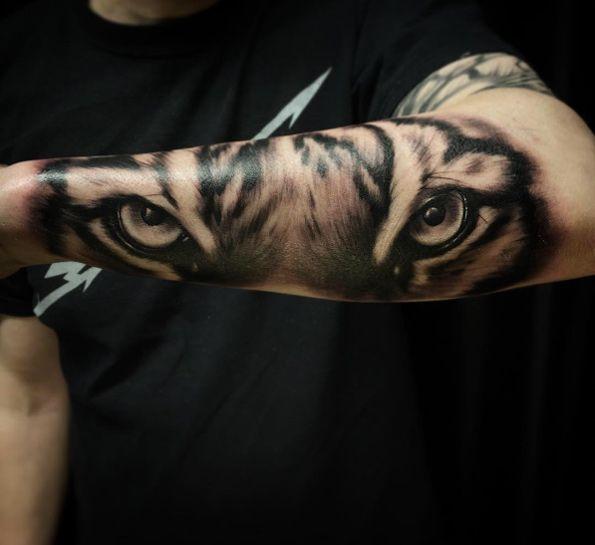 Resultado de imagen de tiger eyes tattoo