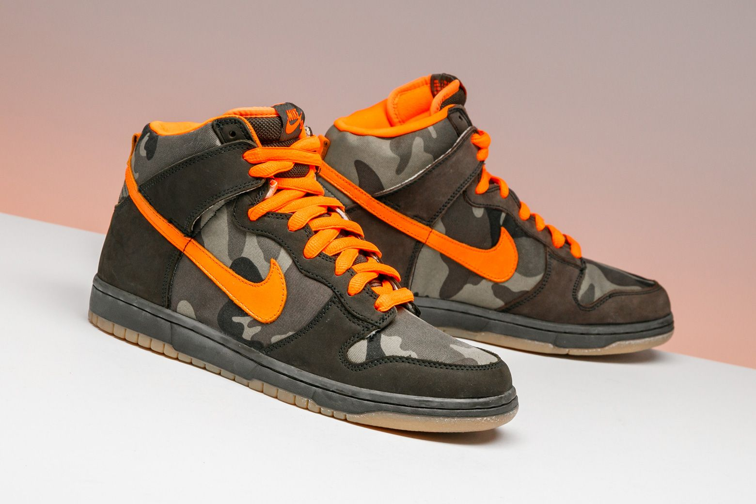Nike Dunk High Pro Sb Brian Anderson 305050 281 Nike Shoes Jordans Sneakers Black And Gold Shoes