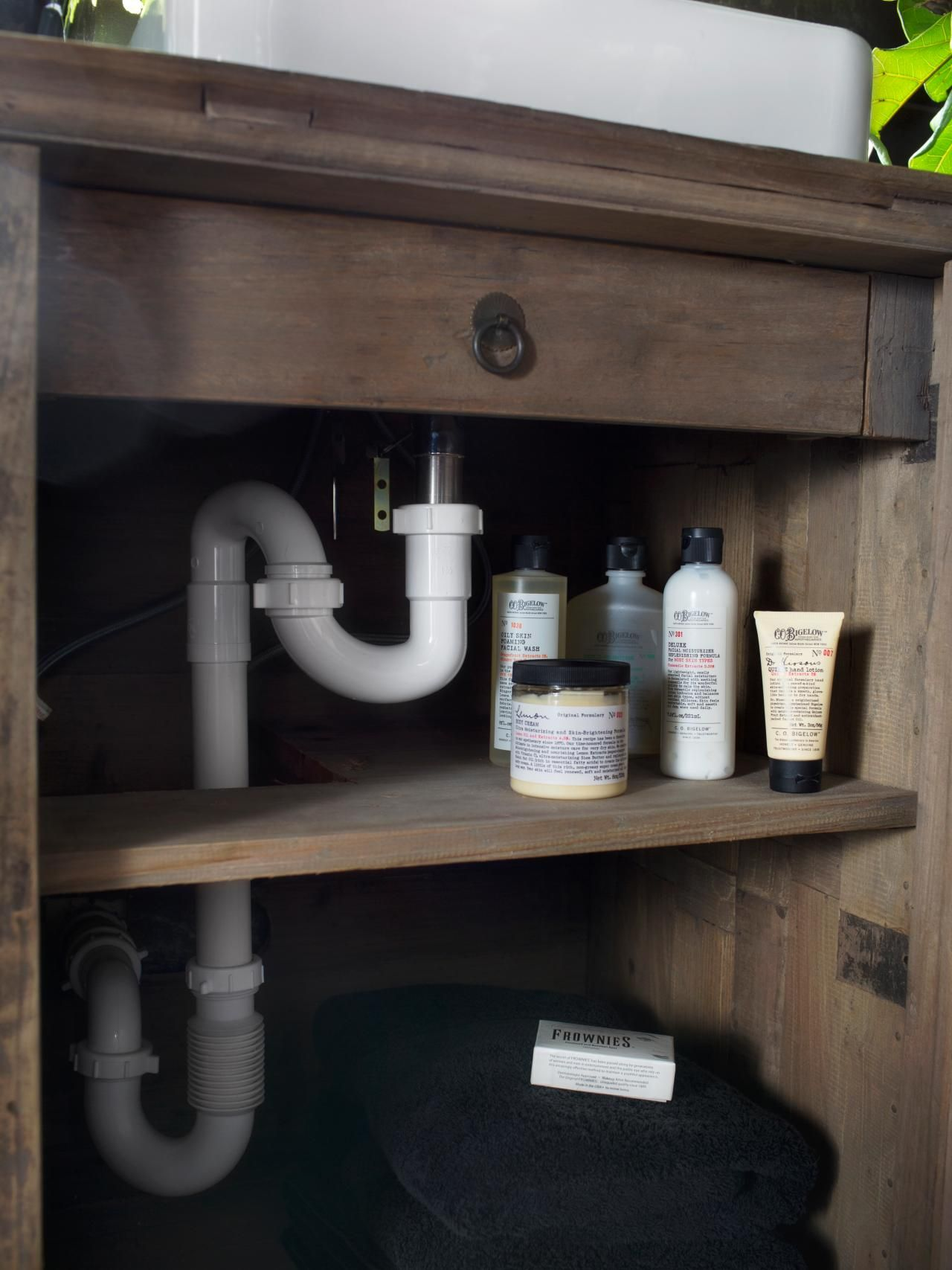 Website Picture Gallery  Tips for Repurposing a Vanity