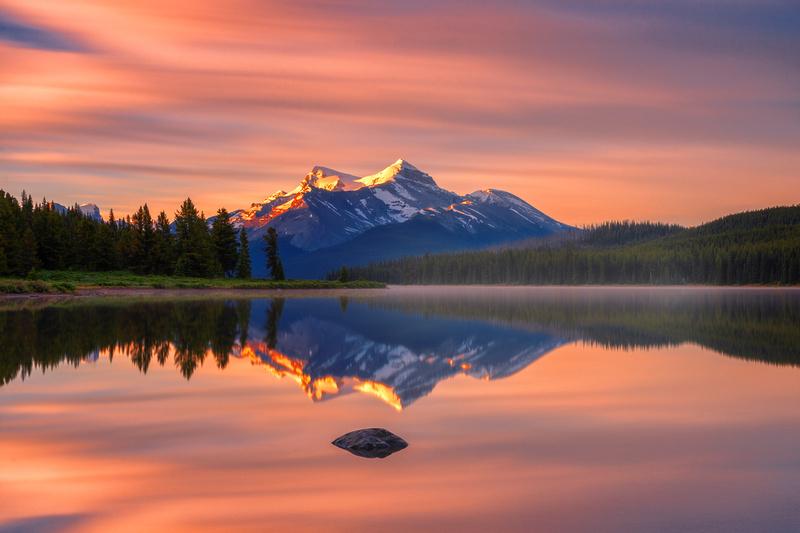 Landscapes Horizontal In 2020 Maligne Lake Landscape Landscape Photography