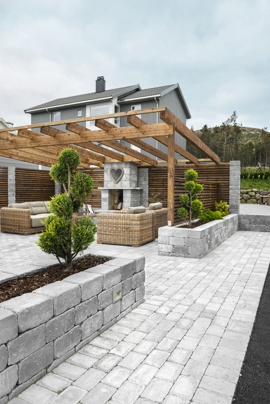 Pergola, retaining wall idea