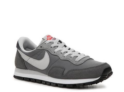 Nike Air Pegasus 83 Retro Sneaker