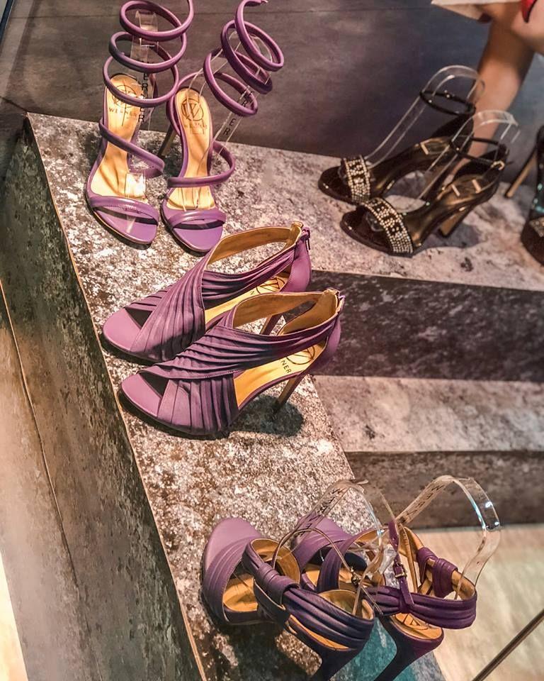 1b4c79b07 Tendência Sapatos Verão 2019. Sandálias. Moda 2019. Verão. Moda feminina.  Sandálias