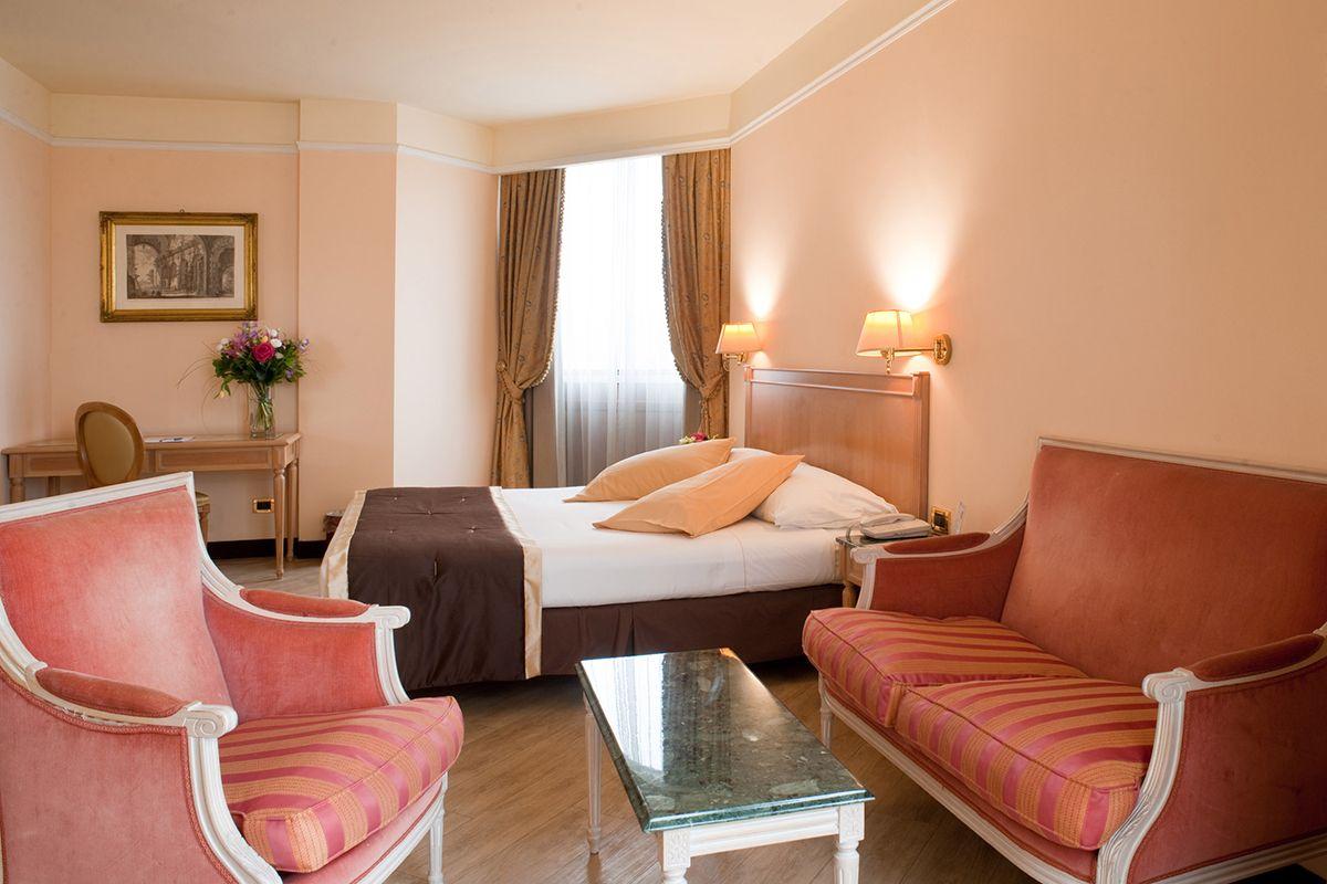 Scopri le camere e le fantastiche suite di Hotel de la ville. Ci ...