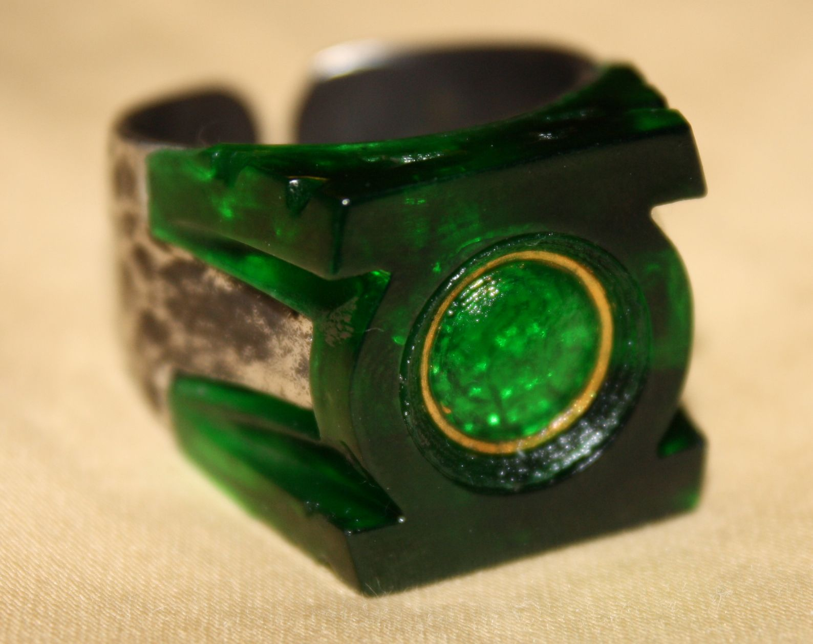 Green Lantern ring haha that's so awesome | Things i want ...