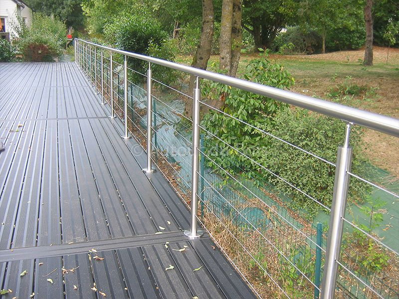 Garde corps inox et bois à Angers Installer une terrasse chez les - installer une terrasse en bois