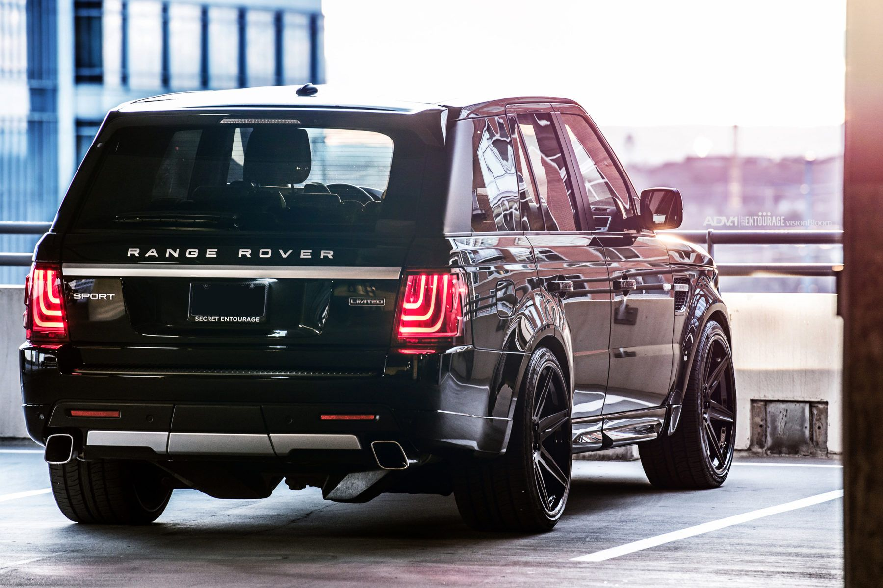 secrete entourage range rover sport black wheels 6 spoke 24 inch rims 1800 1200 land. Black Bedroom Furniture Sets. Home Design Ideas