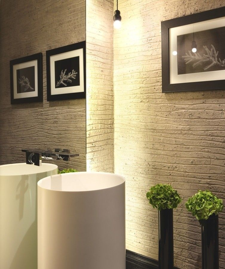 Fabulous bad modern gestalten mit licht und freistehendem spiegel hinter freistehendem waschbecken rund