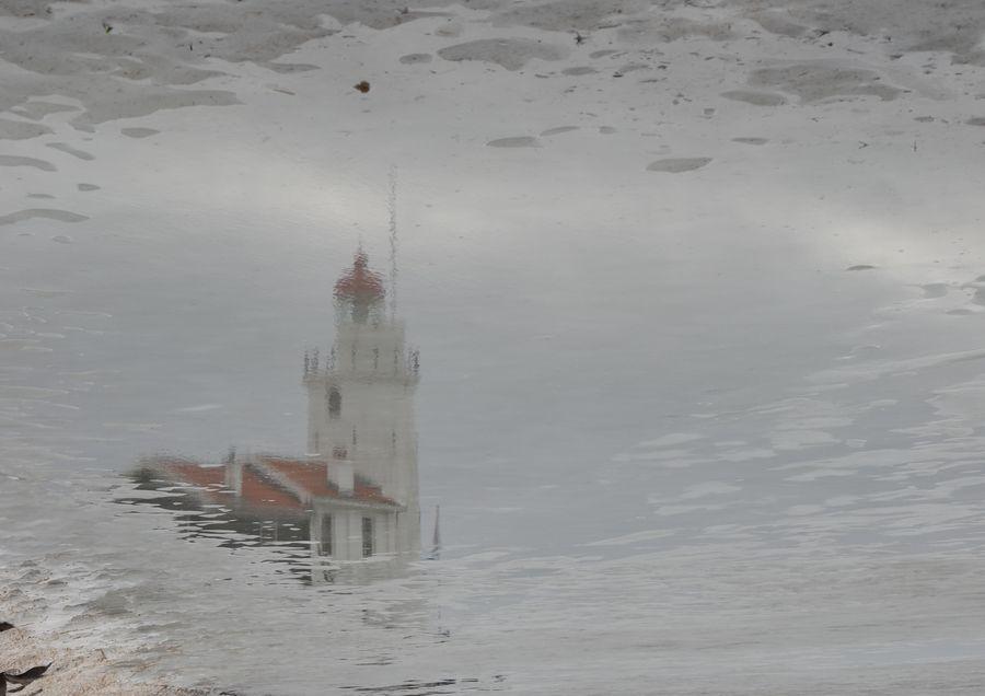 Reflections by Gert van der Ende, via 500px