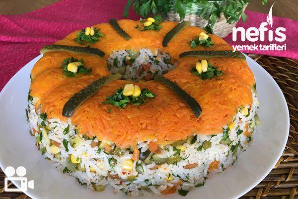 Videolu anlatım Çin (Pirinç) Salatası Videosu Tarifi nasıl yapılır? 1.760 kişinin defterindeki bu tarifin videolu anlatımı ve deneyenlerin fotoğrafları burada. Yazar: NYT Mutfak