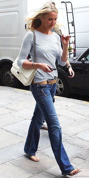How To Style Wide Leg Jeans Fashionably