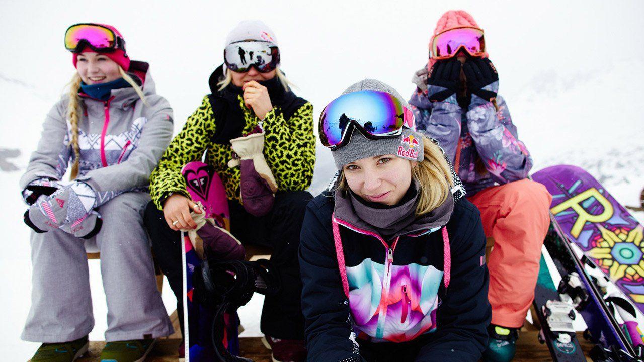 2ada9e2c19 Roxy Snowboard brand and lifestyle Dara Howell Roxy Snowboard brand and  lifestyle Roxy Snowboard team member