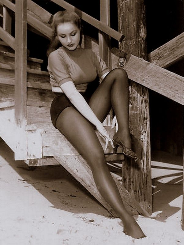Julie newmar in pantyhose images 310