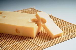 Wer auf Histamin reagiert, bekommt vom Käse Blähungen