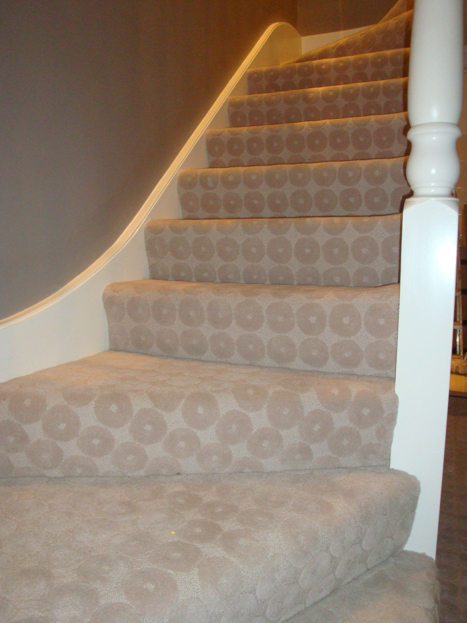 Merveilleux 100% Wool Textured/fully Fitted Stair Carpet