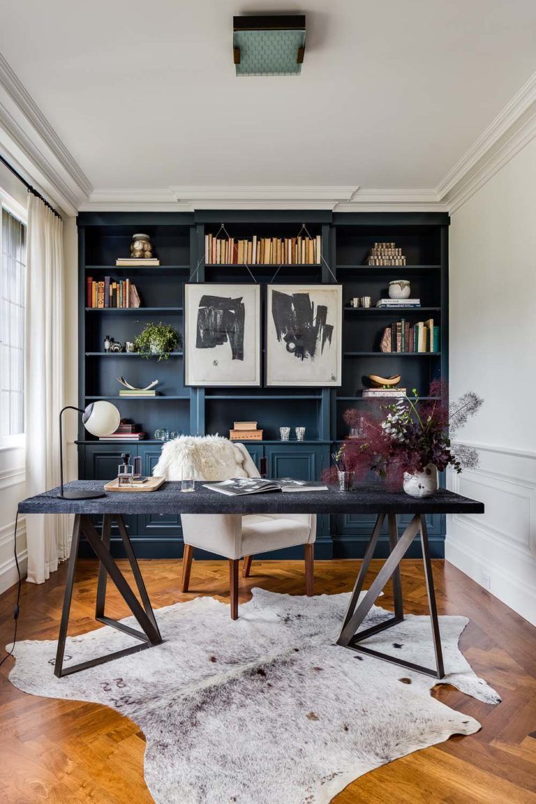 28 Dreamy home offices with libraries for creative ...