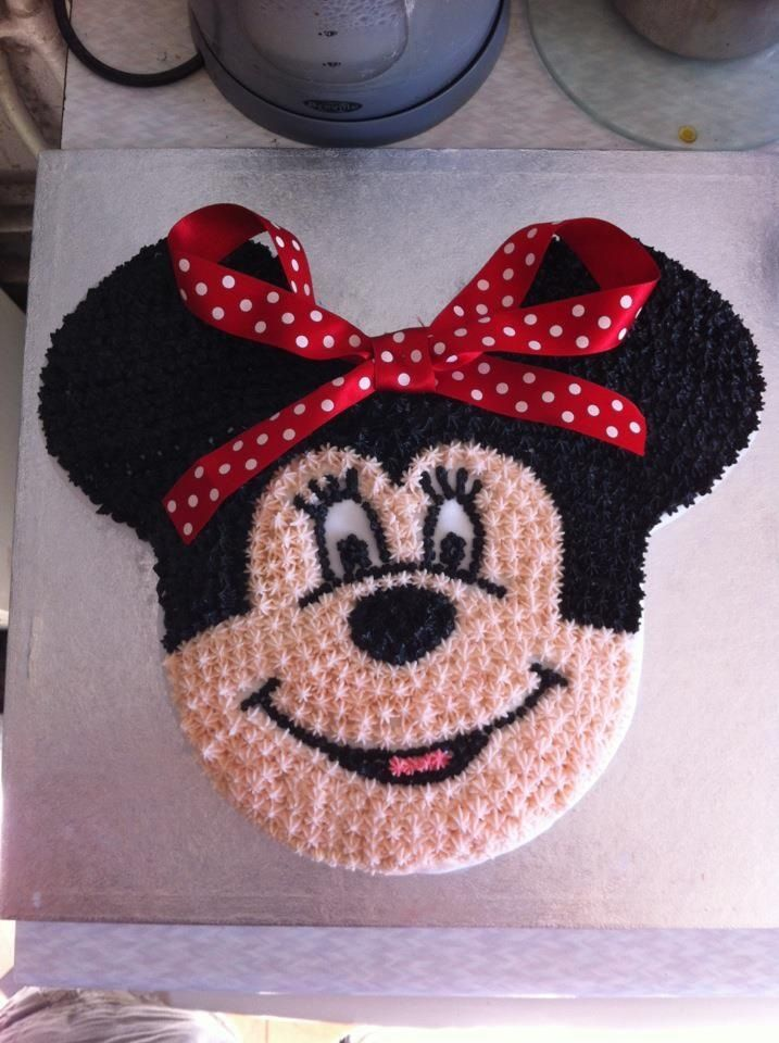 Minnie Mouse cake made by my own fair hand!!