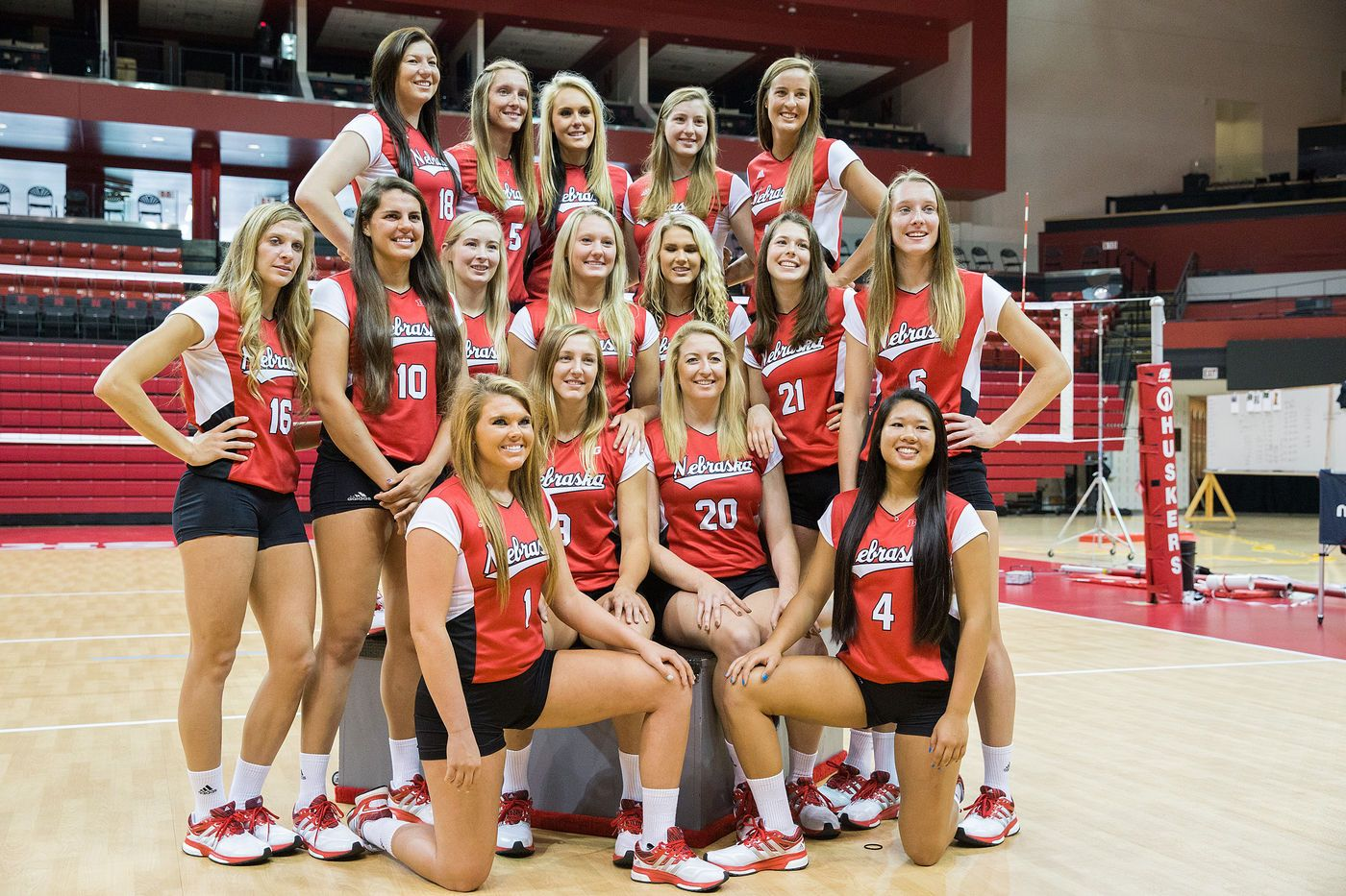 University Of Nebraska Volleyball Photo Day Volleyball Photos Volleyball Inspiration Women Volleyball