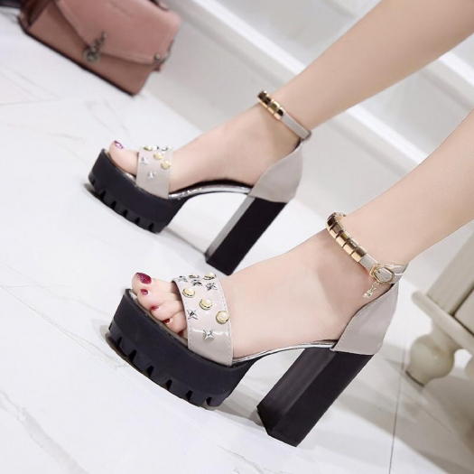 Hot New Arrival Best Quality Sepatu Fashion Series As195al Am