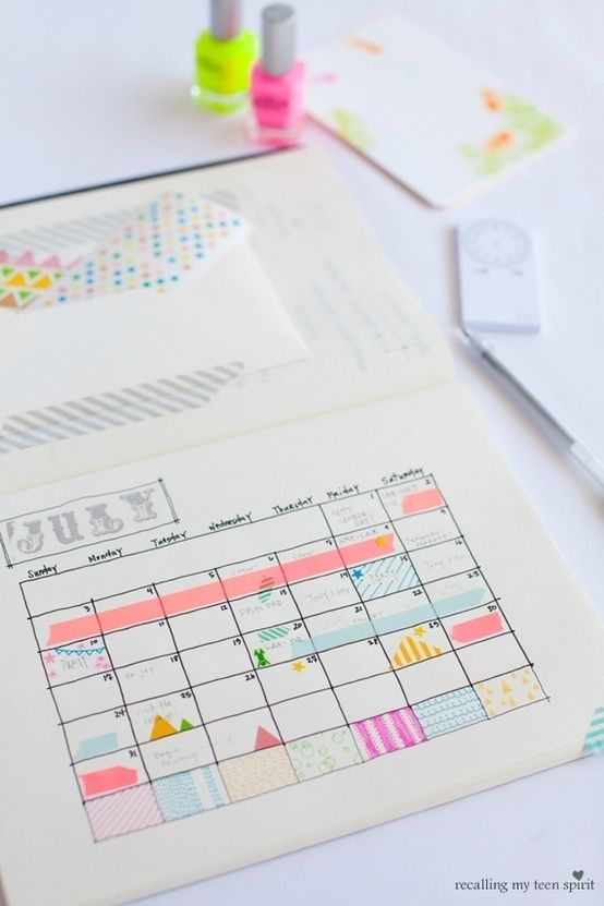 I could spend hours organizing my calendar with washi tape. Work is so much more fun when papers and files are cute and coordinated:-)
