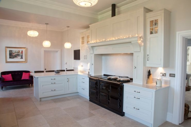 Best Period Style Kitchen In Farrow And Ball Shaded White 400 x 300