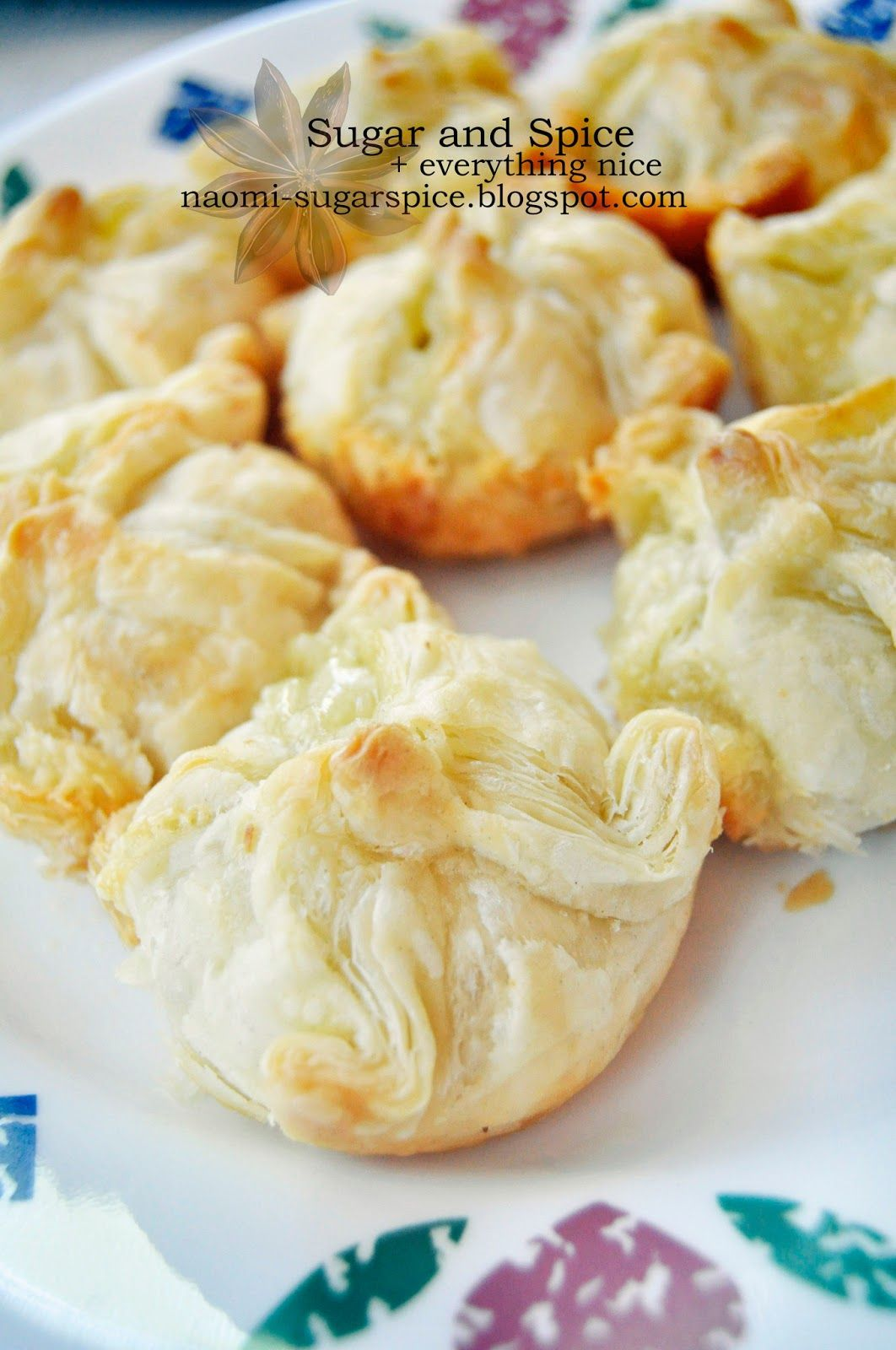 Mini Baked Brie [Recipe & Tutorial] - Easy, quick appetizer for parties!