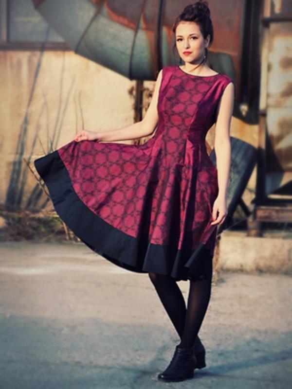 ef75bbd65a1 Красива дизайнерска рокля Kate | Онлайн маркови дамски дрехи, мъжки дрехи и  дамски обувки. Online магазин за маркови рокли, блузи, ризи.