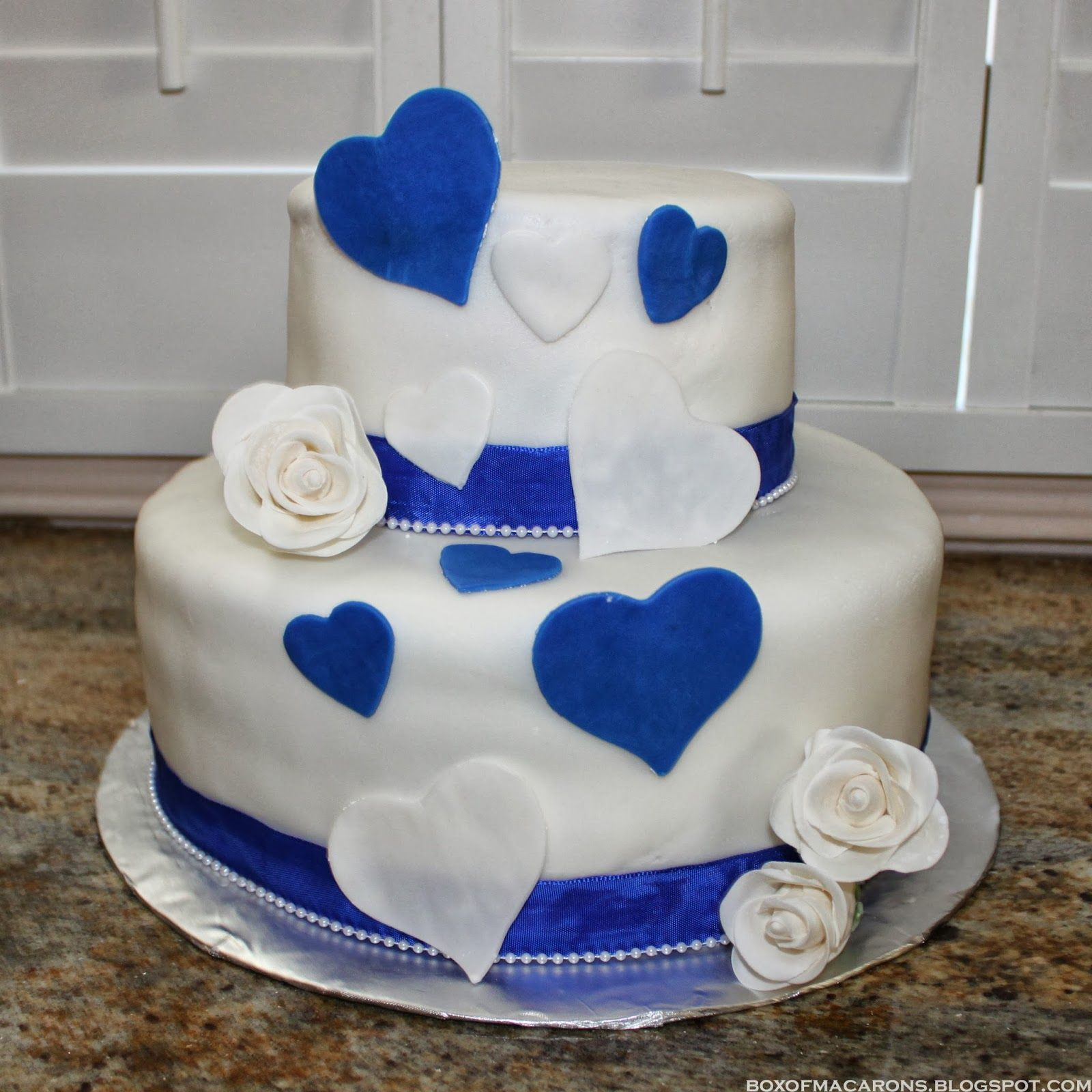 Wedding Cake Ideas Royal Blue: Simply White Wedding Cake With Royal Blue Hearts. And Also