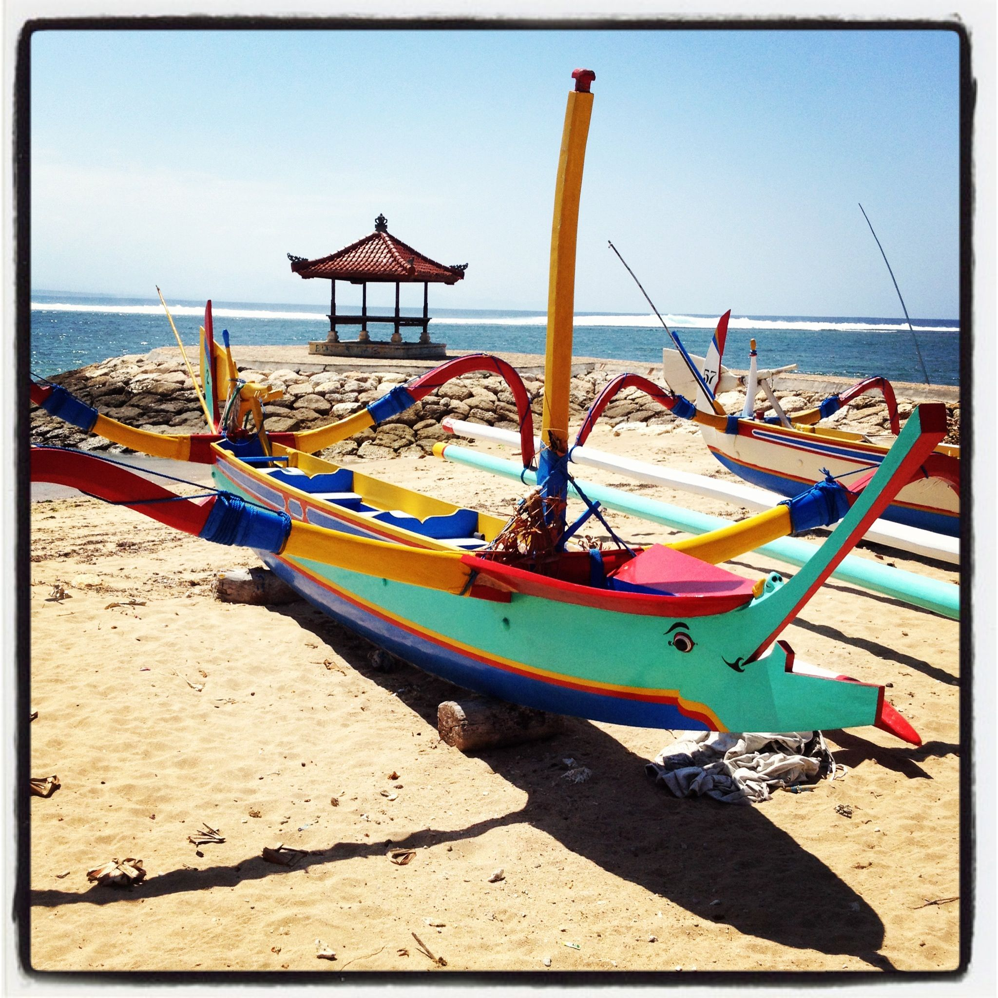 Sanur magic boats