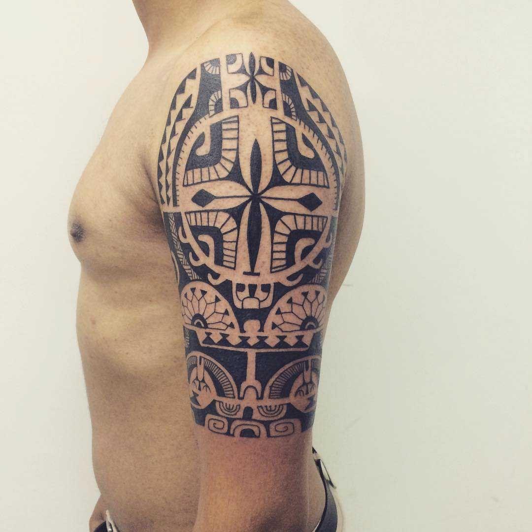 maori tattoo half sleeve tatouage encre blanche pinterest tatouage tatouage encre blanche. Black Bedroom Furniture Sets. Home Design Ideas