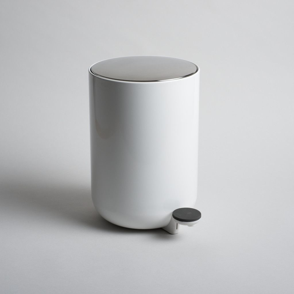 Pedal Bin | Architects, Product design and Black