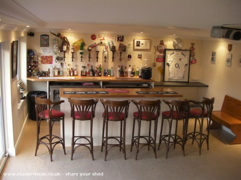 Move Over Man Caves There S A New Trend On The Rise Bar